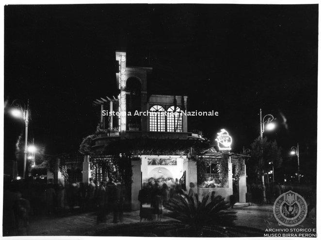 Birra Peroni, stand alla Fiera di Levante, Bari 1950