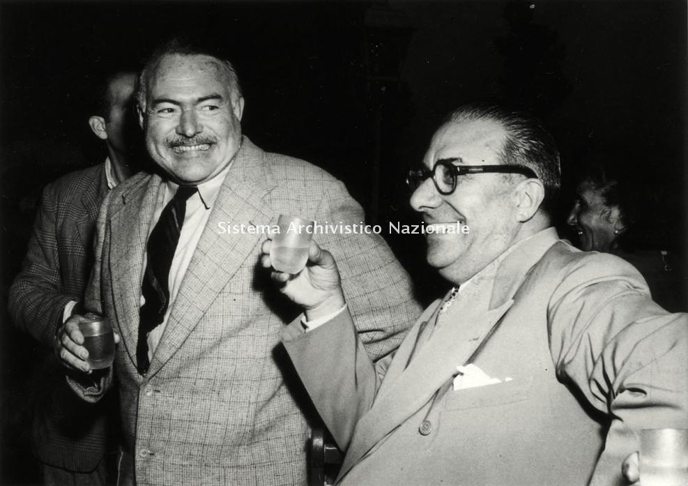 Mondadori, Arnoldo Mondadori con Ernest Hemingway, 1948