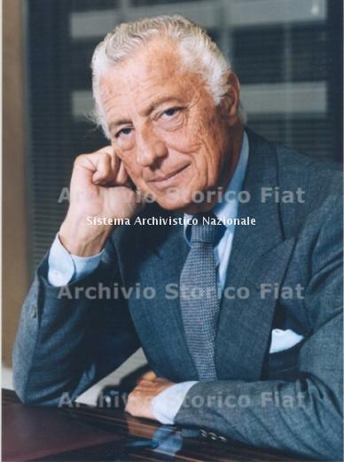 Gianni Agnelli nel suo ufficio di corso Marconi, Torino 1984 (Archivio e centro storico Fiat, Archivio iconografico)