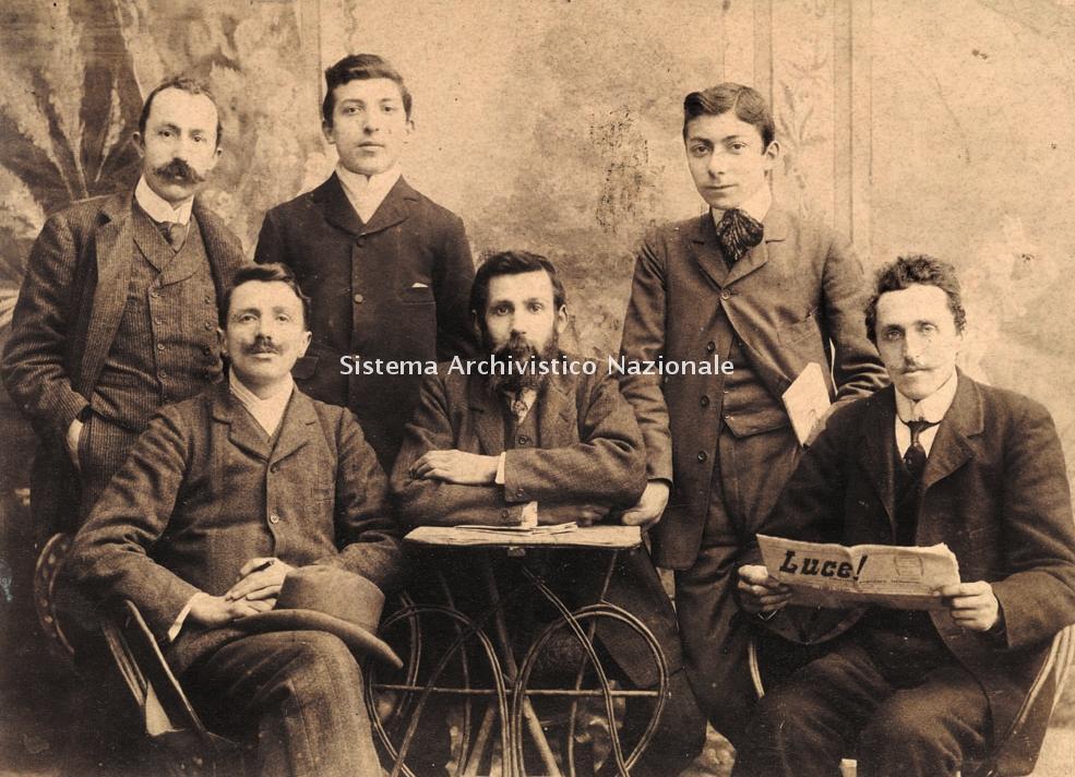 Mondadori, redattori del periodico