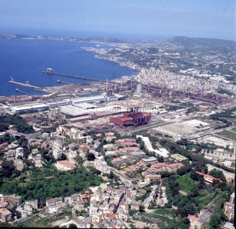 Stabilimento gia' Ilva e Italsider in dismissione, Napoli 2000