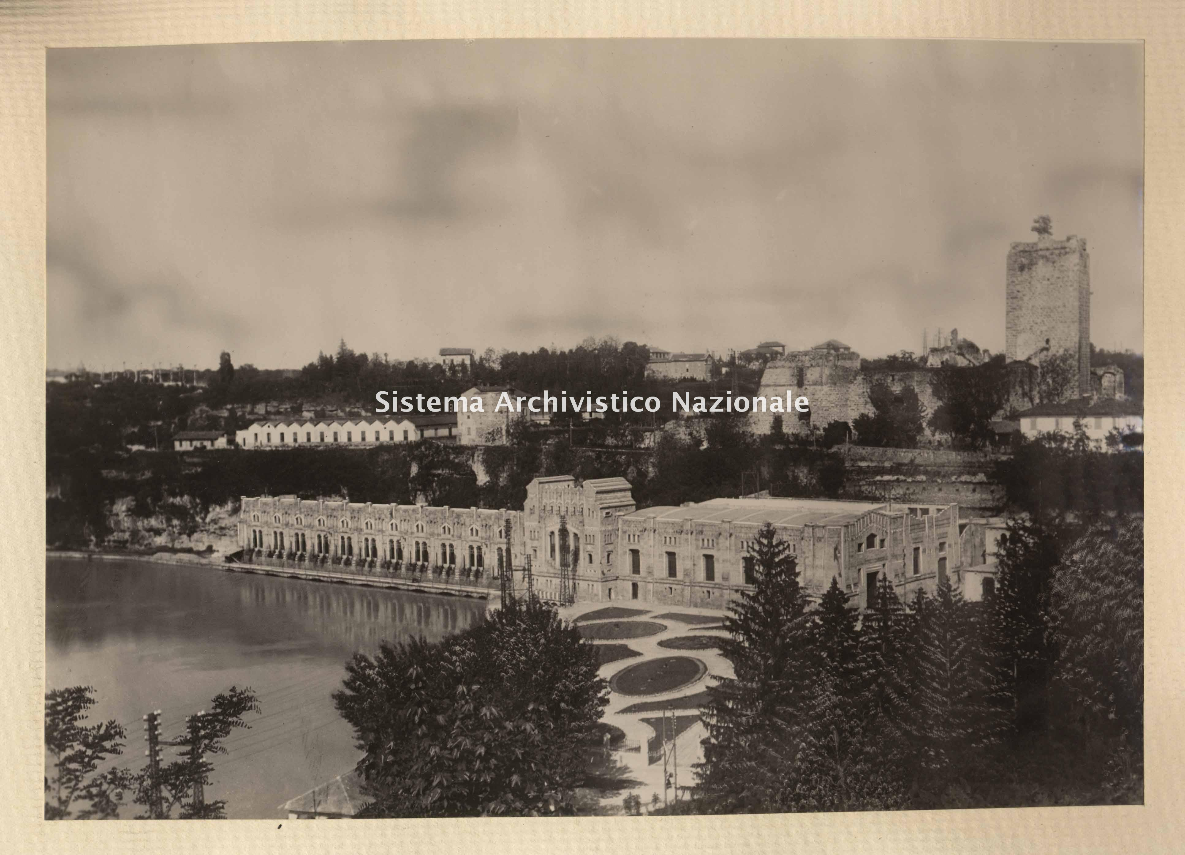 Centrale Benigno Crespi della Società per le Forze Idrauliche di Trezzo sull'Adda, 1918.