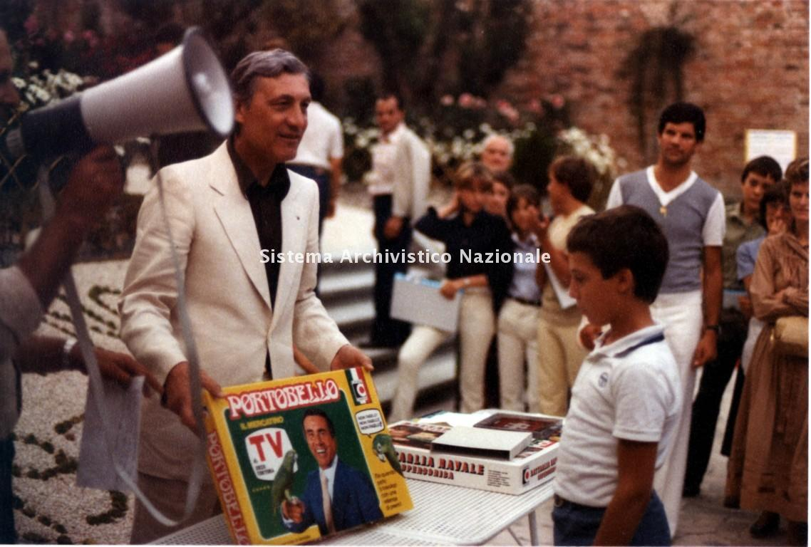 Mario Clementoni presenta Portobello, 1979 ca