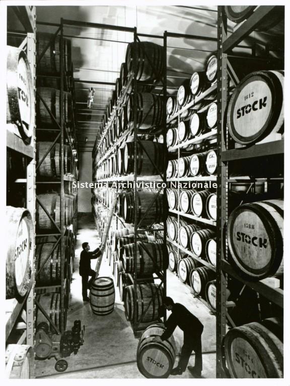Stock, magazzino di botti in legno, sec. XX