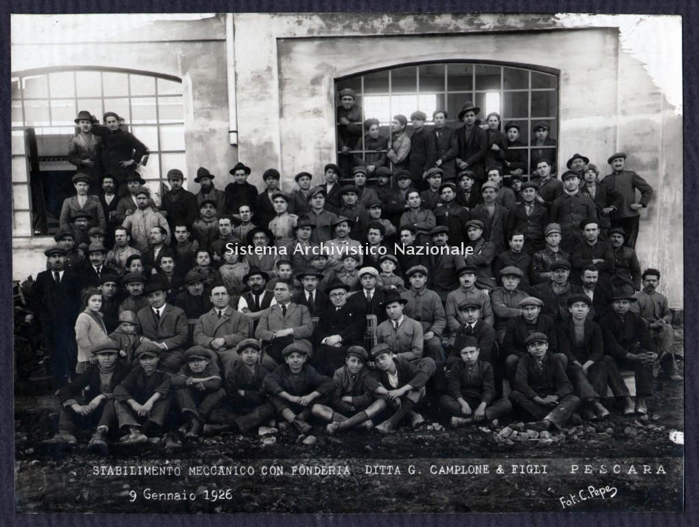 Ditta G. Camplone & Figli, fotografia di gruppo, Pescara 1926