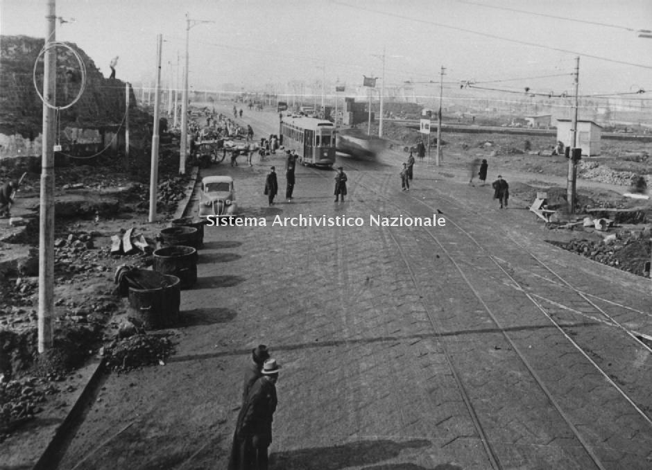 Lavori stradali, Napoli 1940