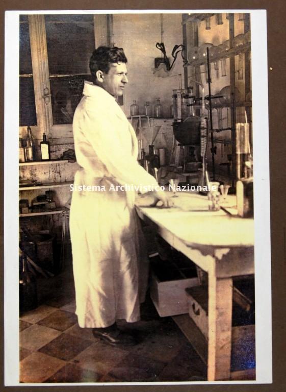 Amedeo Pomilio, fondatore della Distilleria Aurum, 1920