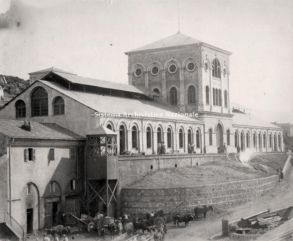 Il pozzo Sella e l'officina meccanica della miniera di Monteponi, 1900 ca.