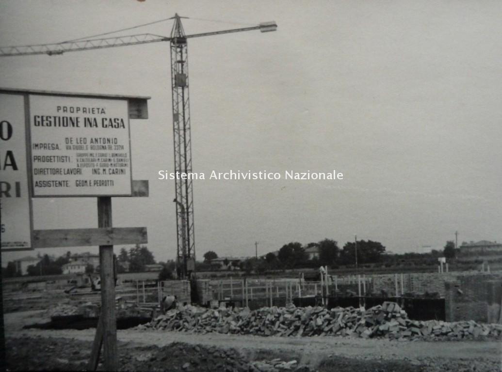 F.Gorio con M.Vittorini e altri, Quartiere INA-Casa e INCIS, Bologna 1955-1964
