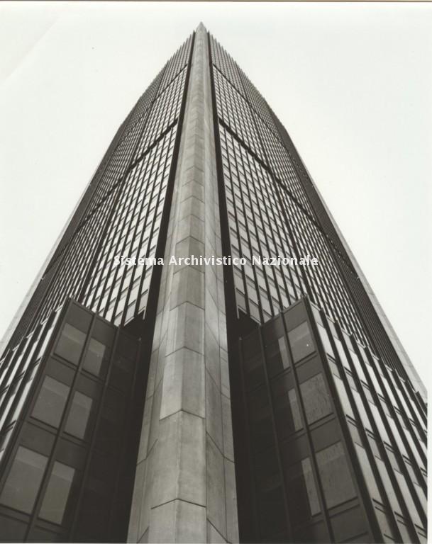 Luigi Moretti, Tower of Change, Montreal 1960