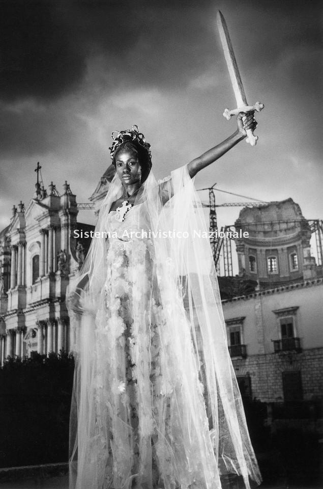Marella Ferrera, abito in organza, Noto 1999