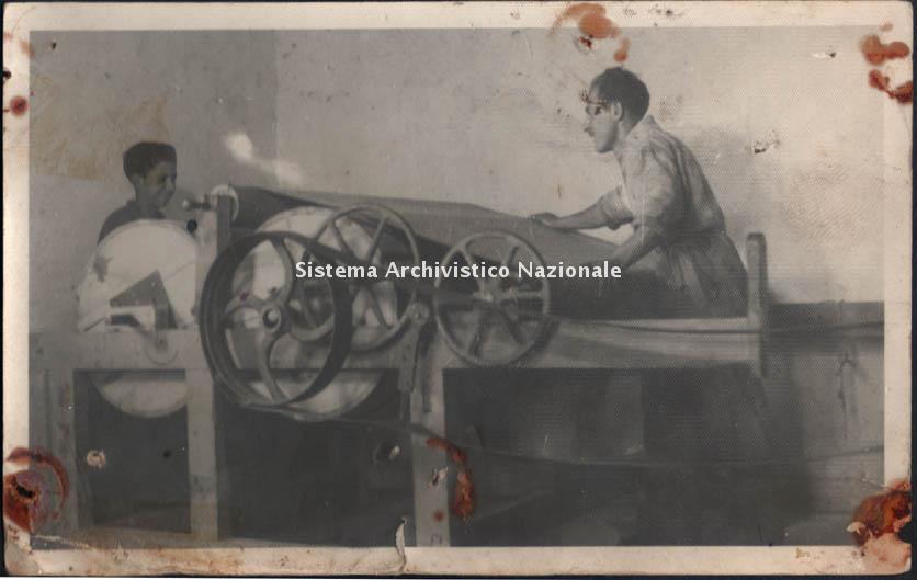 Lanificio Leo sas, reparto finissaggio, Soveria Mannelli 1940