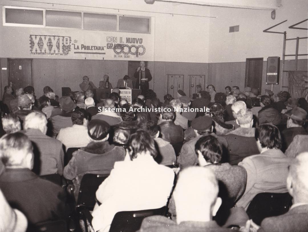 Cooperativa di consumo La Proletaria, assemblea dei soci, Piombino 1976