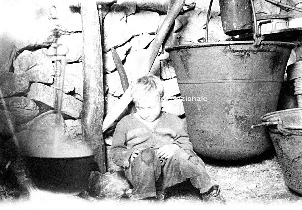 Archivio di Stato di Bergamo, Ente Nazionale per la Protezione Morale del Fanciullo, 9.3 Fotografie non collegate a documenti, 2/094