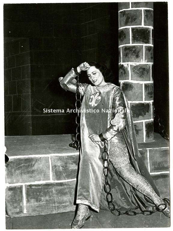Renata Tebaldi in Giovanna d'Arco al Teatro San Carlo, Napoli 1950-1951