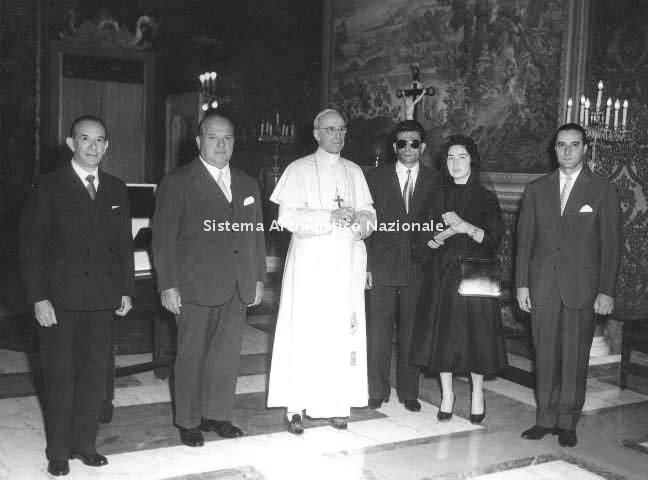 Vittorio Necchi, udienza pontificia, 1956