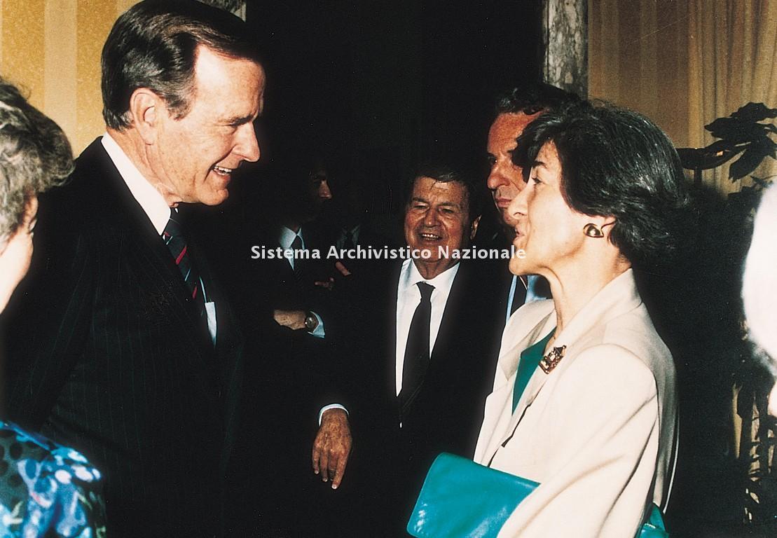 Cecilia Danieli incontra il Presidente degli Stati Uniti d'America George H.W. Bush, 1989