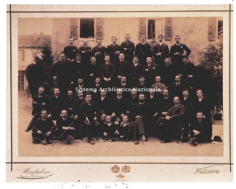 L'ing. Franco Tosi, con alcuni dei suoi dipendenti, Legnano 1893
