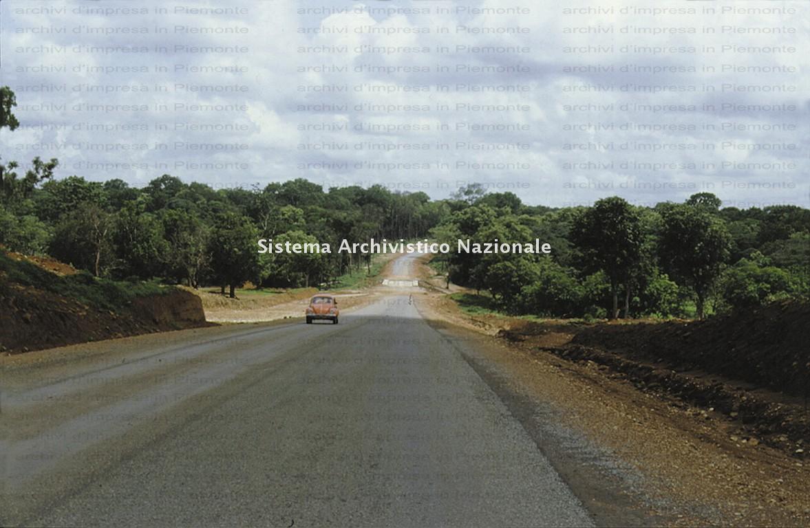 Borini & Prono Costruzioni spa, realizzazione di una strada a Jagindi, Nigeria 1982