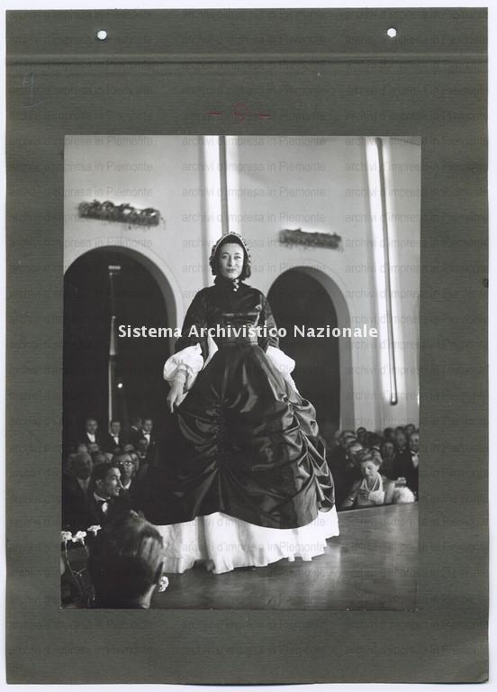 Borsalino, sfilata di abiti d'epoca, 1957
