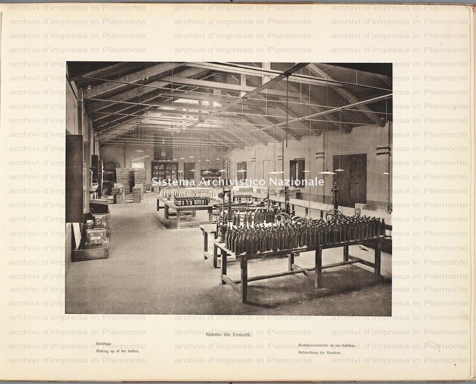 Cinzano, addobbo litri nello stabilimento a Santo Stefano Balbo, Cuneo 1900