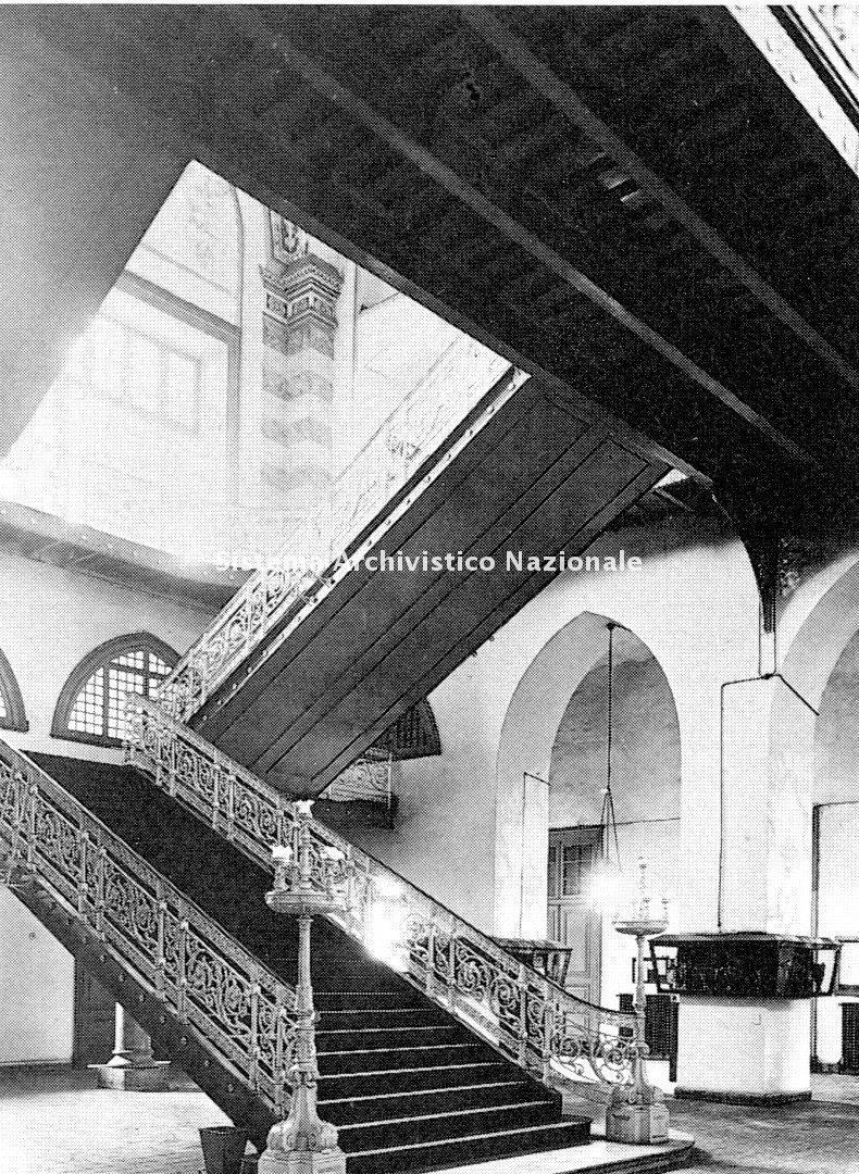 Raimondo D'Aronco, Scuola militare imperiale di medicina, Istanbul 1894-1901